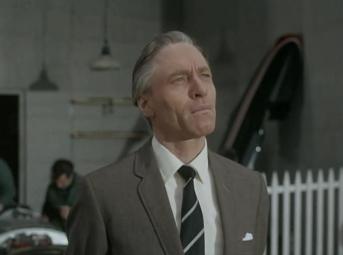 Alan MacNaughton as Gilford