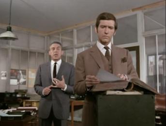 Joel Fabiani as Stewart Sullivan and Eddie Byrne as Frank Bellman