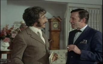 Peter Wyngarde as Jason King and John Carson as Kilvern