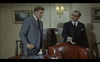 Steve Forrest as John Mannering and Colin Gordon as John Alexander Templeton-Green