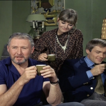 Anthony Quayle, Kaz Garas and Anneke Wills